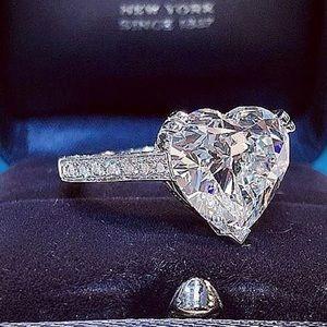 Jewelry - 14k white gold ring diamond 2 CT heart engagement